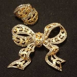 Vintage Catlecliff bow Brooch and clip on earrings